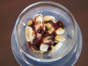 banana peanut sundae close2