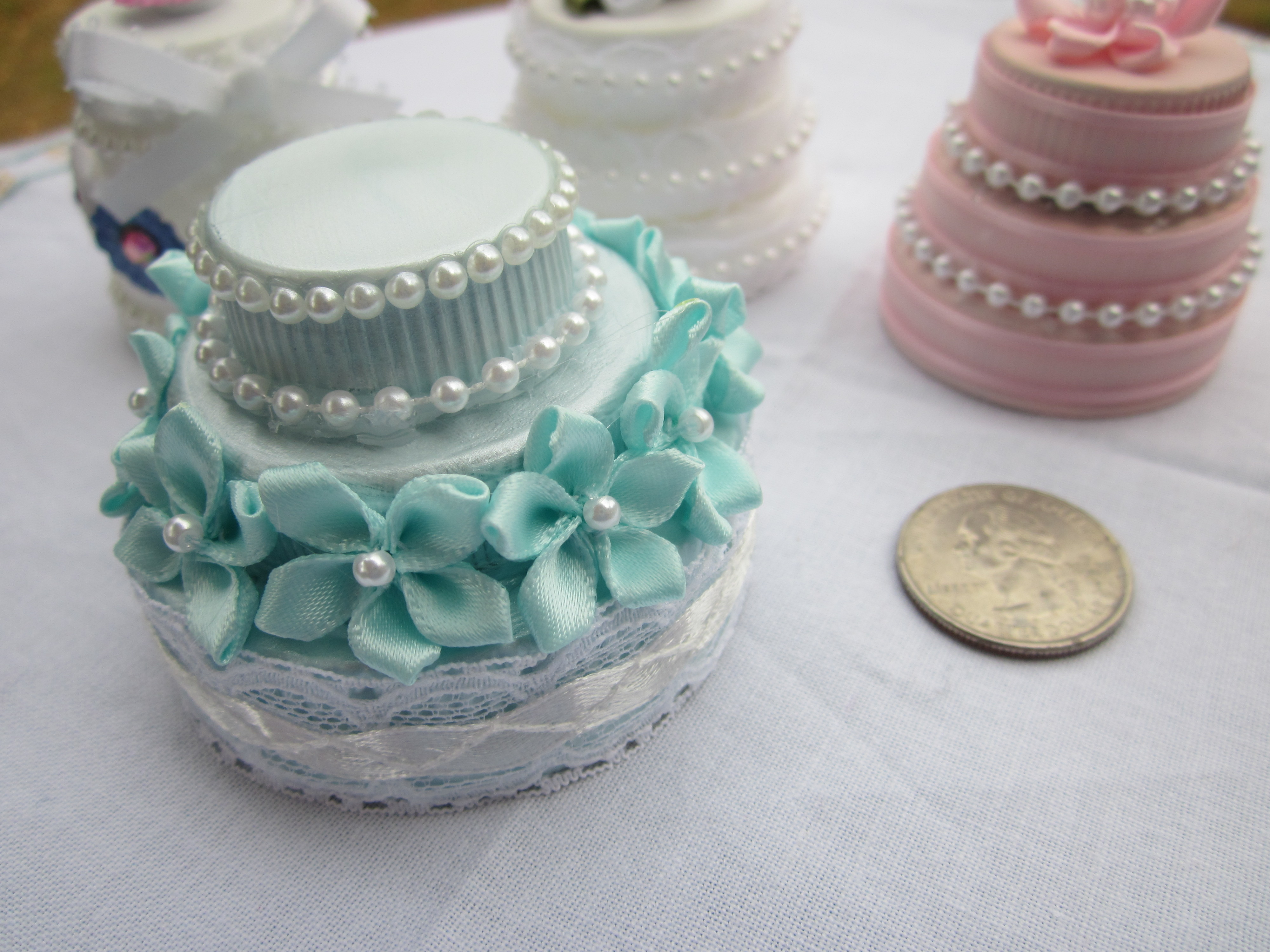 Decorate Cake With Toothpaste