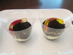 dirt and worms cups