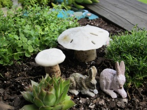 fairy garden table