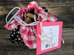 dog treat gift bag