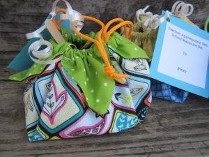 Teacher Gift Petal Bag Giveaway Theroommom