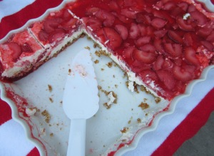 strawberry pretzel salad pan
