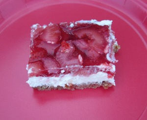 strawberry pretzel salad serving