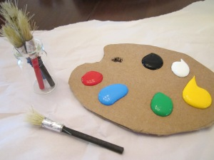 art gallery brush and pallette