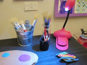 art gallery brushes with lamp