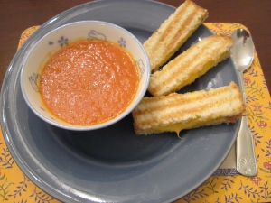 tomato soup and grilled cheese dinner