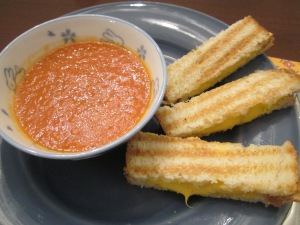 tomato soup and grilled cheese strips