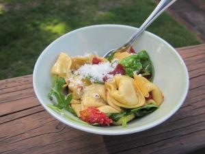 tortellini pasta salad serving