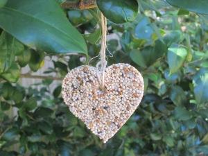 birdseed-heart-ornament