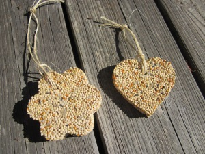birdseed-ornaments-finished