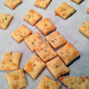 cheese-crackers-close