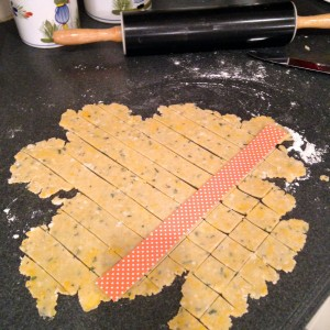 cheese-crackers-cutting-shapes