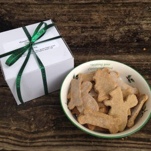 dog-biscuits-christmas-treat