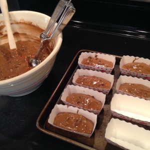 mini-cakes-filling-loaf-pans